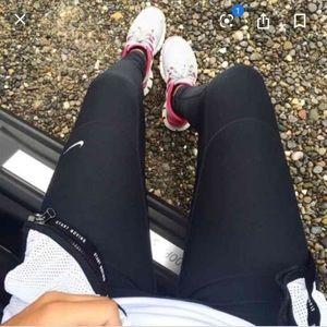 NIKE black running leggings size M dri fit